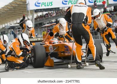 SEPANG, MALAYSIA - NOVEMBER 23 : A1 Team Netherlands changing tyres at pitstop at A1GP World Cup of Motorsport in Sepang, Malaysia November 23, 2008.