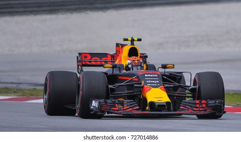 SEPANG, MALAYSIA : OCTOBER 01, 2017 : Max Verstappen of the Netherlands driving the (33) Red Bull Racing on track during the Malaysia Formula One (F1) Grand Prix at Sepang International Circuit (SIC).