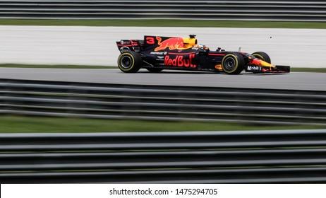 SEPANG, MALAYSIA - SEPTEMBER 30, 2017 : Daniel Ricciardo of Australia driving the (3) Red Bull Racing on track during the Malaysia Formula One (F1) Grand Prix at Sepang International Circuit