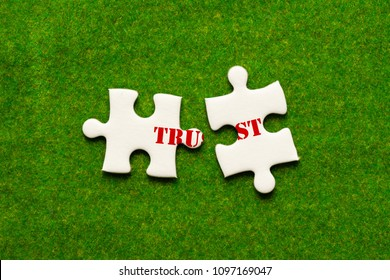 separate two jigsaw puzzle with trust woring