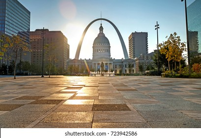 Sept. 23, 2017 - St. Louis, Missouri - Kiener Plaza and the Gateway Arch in St. Louis, Missouri.