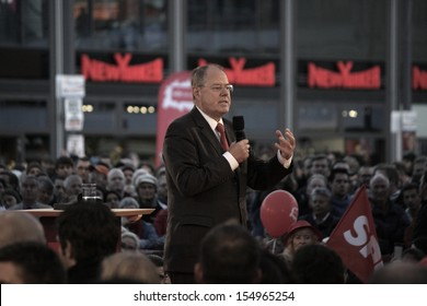 SEPTEMBER 13, 2013 - BERLIN: Peer Steinbrueck, candidate for German chancellor, at an election rally at the Alexanderplatz in Berlin.
