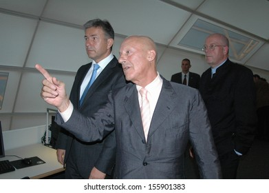 SEPTEMBER 14, 2005 - BERLIN: Klaus Wowereit, Norman Foster, Dieter Lenzen - opening of the Philological Library in the Free University of Berlin.