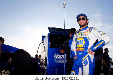 September 20, 2019 - Richmond, Virginia, USA: Chase Elliott (9) gets ready to qualify for the Federated Auto Parts 400 at Richmond Raceway in Richmond, Virginia.