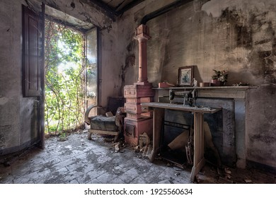 September 2021. Italy. Old kitchen. In an abandoned house. Urbex in Italy.