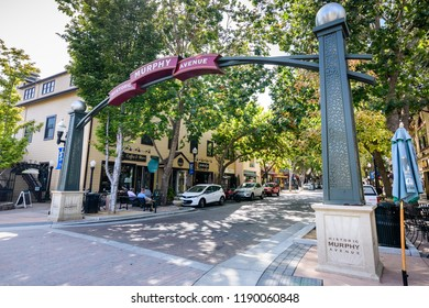 """September 27, 2018 Sunnyvale / CA / USA - Entrance to the """"Murphy Historic Avenue"""" in downtown Sunnyvale, a street lined up with restaurants and cafes"""