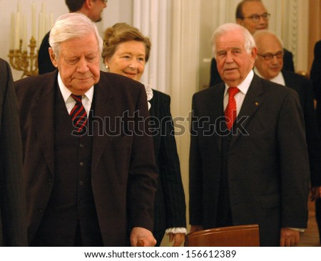 SEPTEMBER 28, 2006 - BERLIN: former Chancellor Helmut Schmidt, Kurt Biedenkopf - award ceremony in the Schloss Bellevue, Berlin.