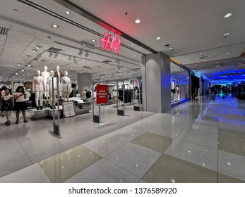 Seremban, Malaysia - 22/4/2019 : Various shops like H&M available inside the Palm Mall shopping complex in Seremban