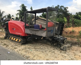 SEREMBAN.MALAYSIA.6 JULY 2017.Horizontal directional drilling machine , is a machine for installing underground pipes and conduits along a prescribed bore path from the soil surface