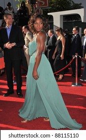 Serena Williams at the 2009 ESPY Awards at the Nokia L.A. Live Theatre, Los Angeles. July 15, 2009  Los Angeles, CA Picture: Paul Smith / Featureflash