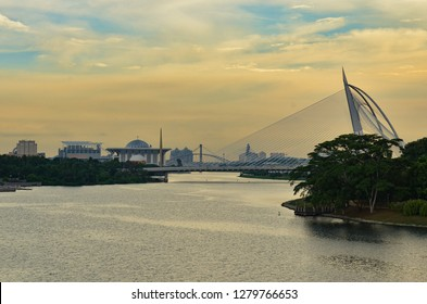Seri Wawasan Bridge is in the planned city Putrajaya, Malaysian federal and administrative centre. This futuristic asymmetric cable-stayed bridge with a forward-inclined pylon has a sailing ship look