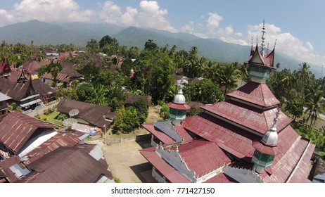 Seribu Rumah Gadang (One Thousand Rumah Gadang village). It is a traditional village located in Koto Baru village,  Solok Selatan , West Sumatra , 141 km away from Padang City.
