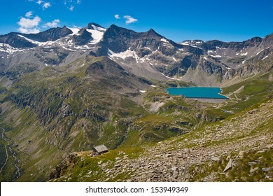 Serru lake and Orco Valley in the Gran Paradiso National Park - The house of the keepers and the Gran Carro Mountains