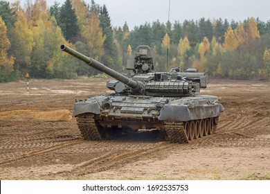 """SERTOLOVO ST. PETERSBURG RUSSIA - SEPTEMBER 2019. Event """"Draftee Day"""". Tank T-80 in military exercises."""