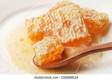Served comb honey