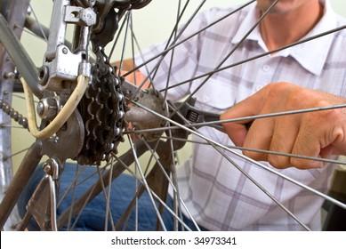 service for bike with adept repairing bike