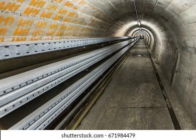 Service tunnel