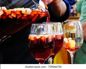 Serving clericot in glasses