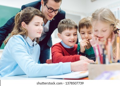 Session in school class with all students working together as a team