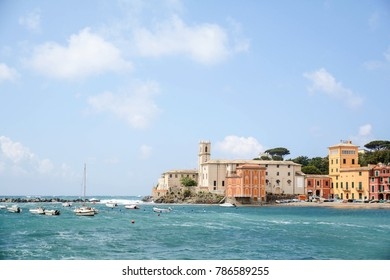 Sestri Levante on the Italian Riviera, Liguria: View of historic old town and Baia del Silenzio beach - Bay of Silence, Italy Europe