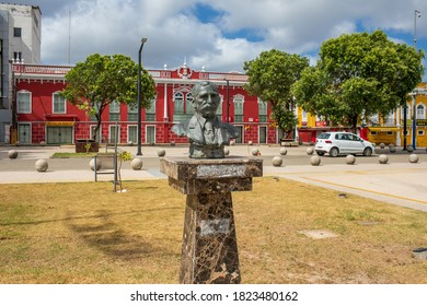 São Luís/Maranhão/Brasil - SET 06 2020: Bronze bust in honor of Urbano Santos da Costa Araújo