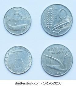 Set of 2 (two) different years Italian 5 Lira 1955 and 10 Lira 1979 years aluminium coins lot, Italy.