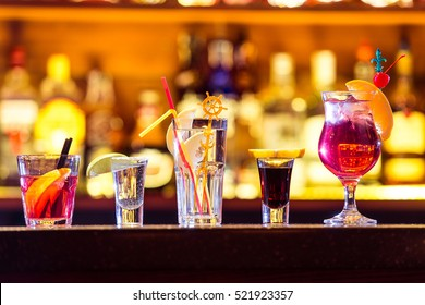Set of cocktails at the bar. Alcoholic beverages.