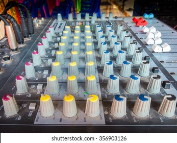 Set of control sound for outdoor music