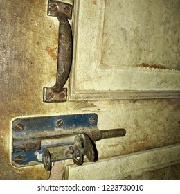 a set of door hinges. complete with the puller