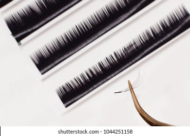 Set eyelash extension tools isolated background