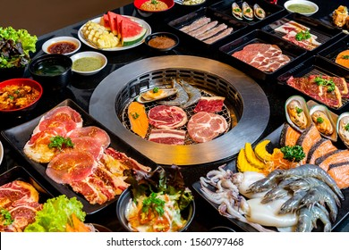 Set grill buffet in the restaurant.