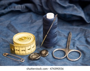 set for hand sewing and repairing clothes