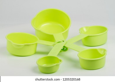set of measuring cups for cooking