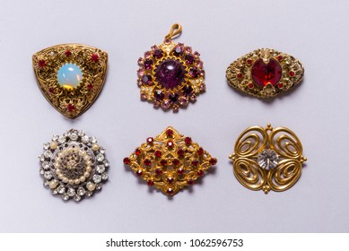 Set on vintage jewelry, brooches