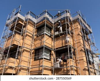 Set in renovations housing