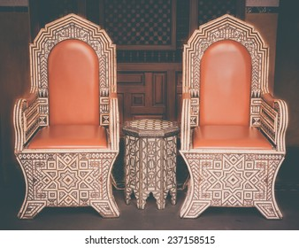 Set of Vintage classical ArmChairs and Table : Filtered Process