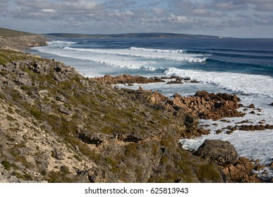 A set of waves rolls in down the coast, Cape to Cape Track coastline, south of Sugarloaf Rock, Leeuwin-Naturaliste National Park, Western Australia