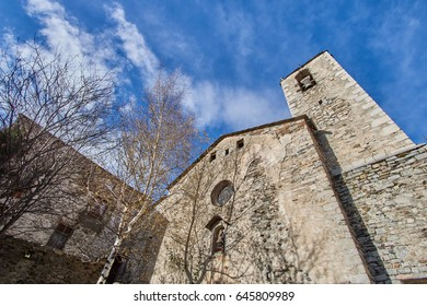 Setcases is a municipality and town in the Pyrenean comarca of Ripollès in Girona, Catalonia, Spain, near the French border