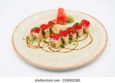 Seth rolls with red caviar of flying fish and sesame.