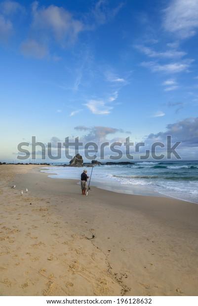 Setting bait Gold Coast beach