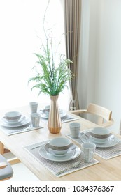 Setting Dining table