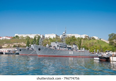 "SEVASTOPOL, CRIMEA, UKRAINE - MAY 06, 2013: Seagoing Minesweeper ""Vice-Admiral Zhukov"" (909), Ship of The Black Sea Fleet of the Russian Navy"
