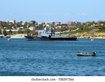 "SEVASTOPOL, RUSSIA - MAY 6, 2015:Small missile ship ""Mirage"" with the hull number 617 in the Bay of Sevastopol."