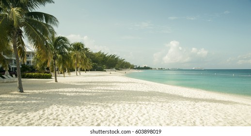 Seven Mile Beach on Grand Cayman island, Cayman Islands