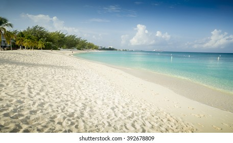Seven Miles Beach on Grand Cayman island