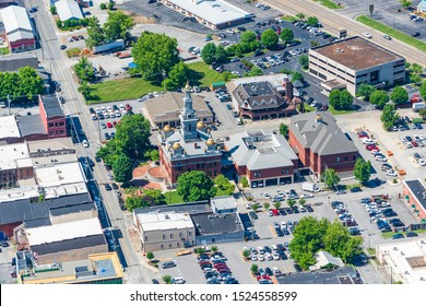 Sevierville, Tennessee, United States – June 14, 2019: Horizontal aerial view of the newly remodeled Sevier County Courthouse in Tennessee.