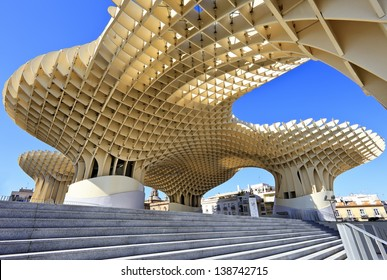 SEVILLA,SPAIN -MAY 02 15: Metropol Parasol in Plaza de la Encarnacion on MAY 02, 2013 in Sevilla, Spain. J. Mayer H. architects, it is made from bonded timber with a polyurethane coating.