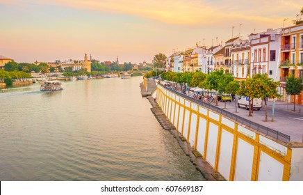Seville is divided in two by the river Guadalquivir. On the west side is located the Triana neighborhood known by its traditional flamenco.
