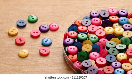 Sewing Colorful Plastic buttons