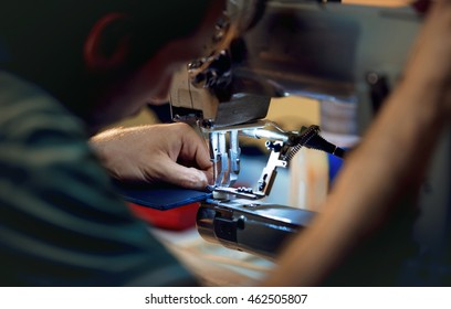 Sewing on the sewing machine - Working close up
